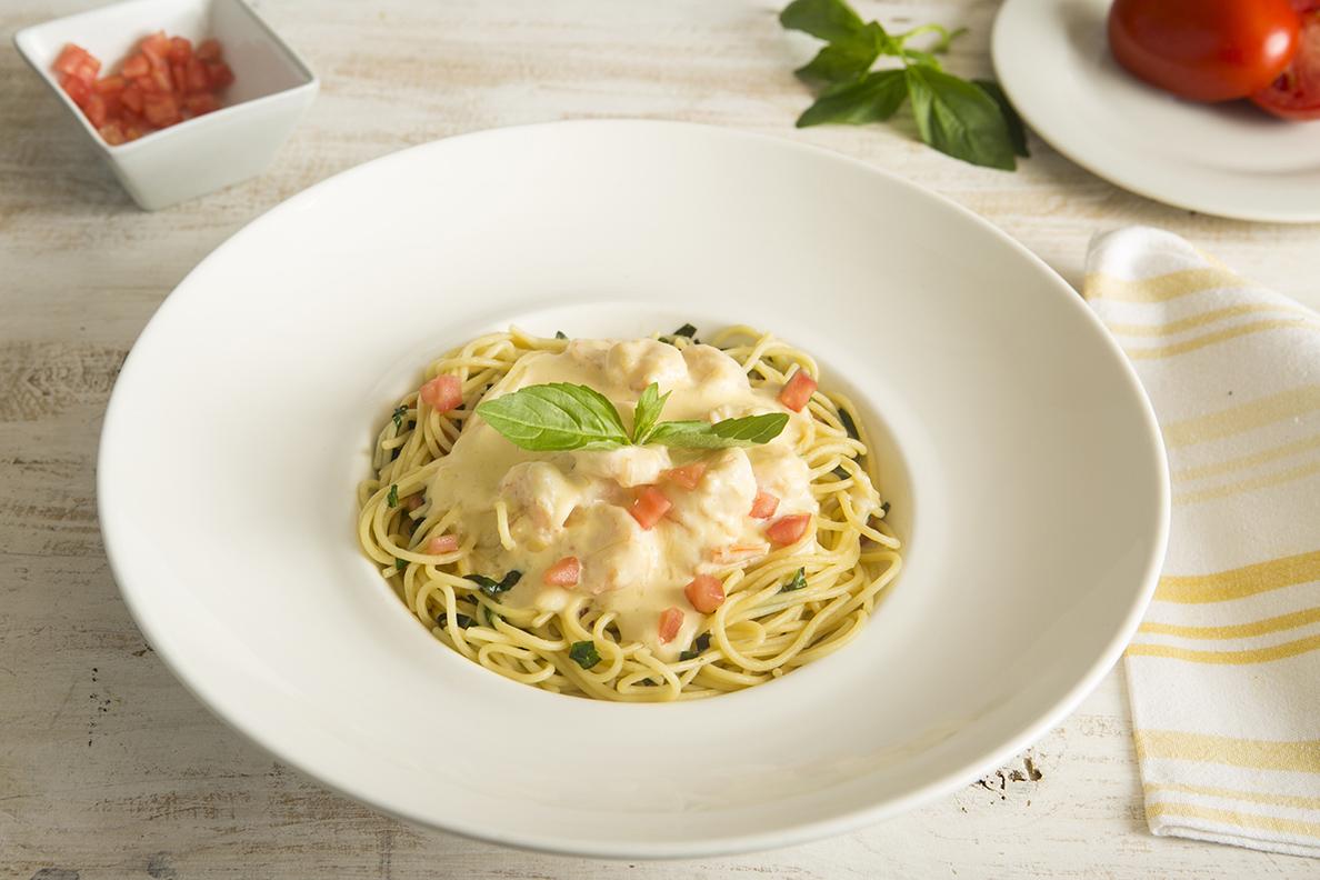 Spaghetti a la Crema con Langostinos